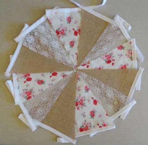 BUNTING - Hessian Burlap - Pink & Red Roses - White Lace - 10m/32ft